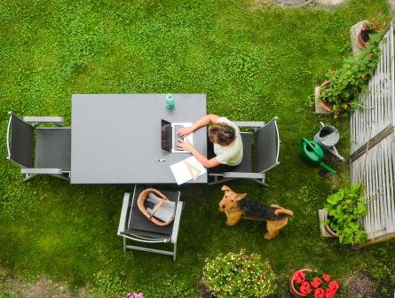 Reliable external WiFi enables laptop connectivity in the garden